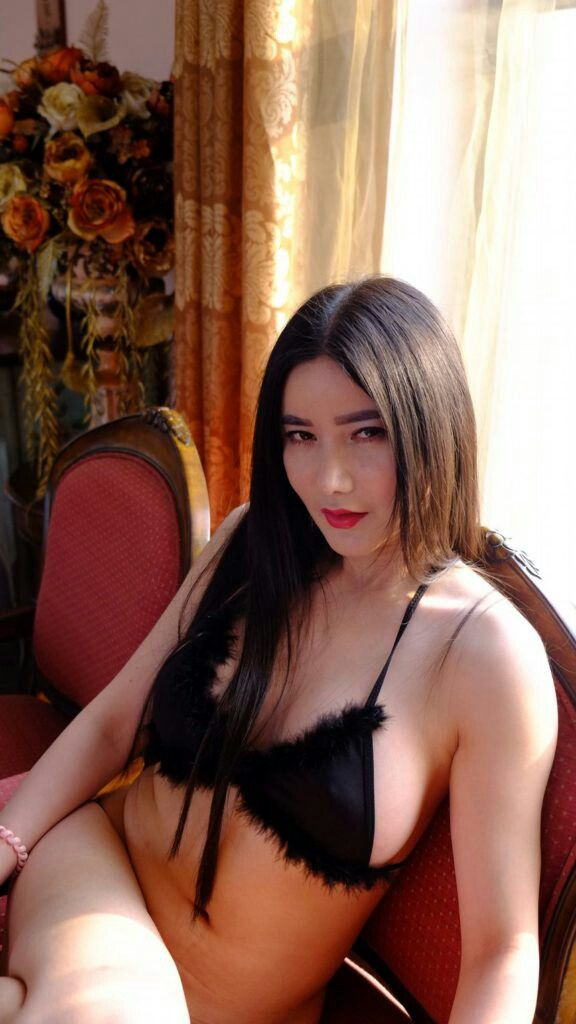 Chines women hairy crotch