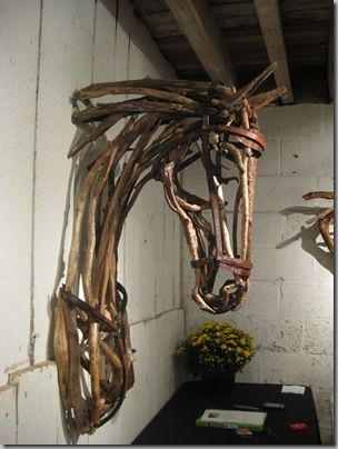 wooden horse head (maybe decorate & use as a Christmas wreath?