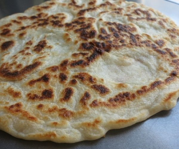 If you've missed using naan to scoop up your stew and Indian curry dishes, here's a 3 ingredient (egg free) paleo version.