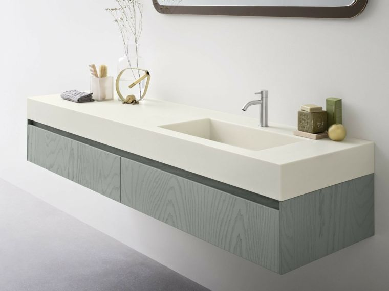 Mobile bagno di colore grigio con lavabo da incasso di