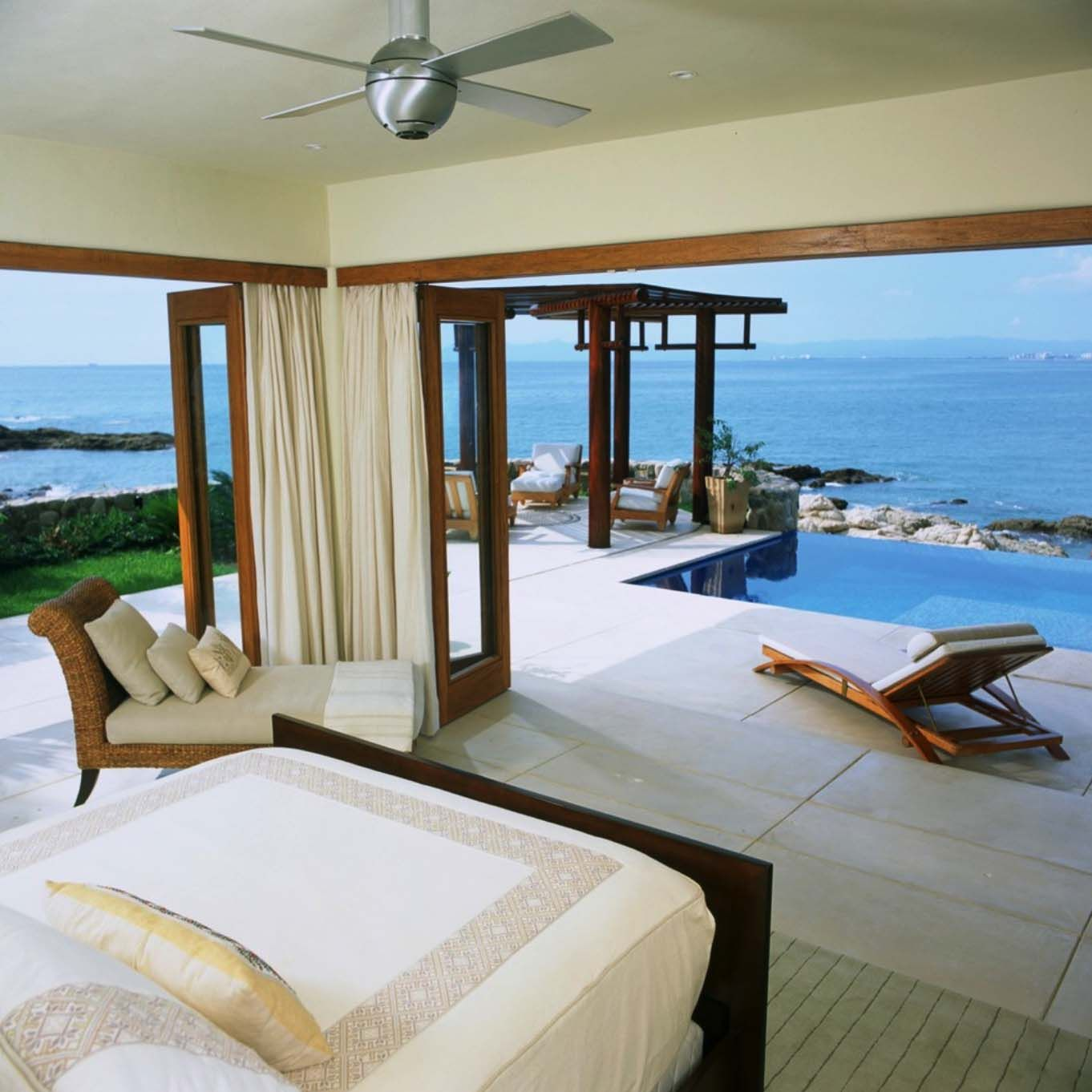 Beautiful Spacious Master Bedrooms: 33 Sun-drenched Bedrooms With Mesmerizing Ocean Views