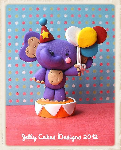 elephant cake topper by jelly beads, via Flickr