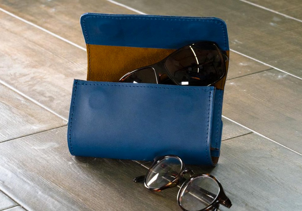Waterfield Designs Created One Case For 2 Pairs Of Glasses Glasses Case Case Leather