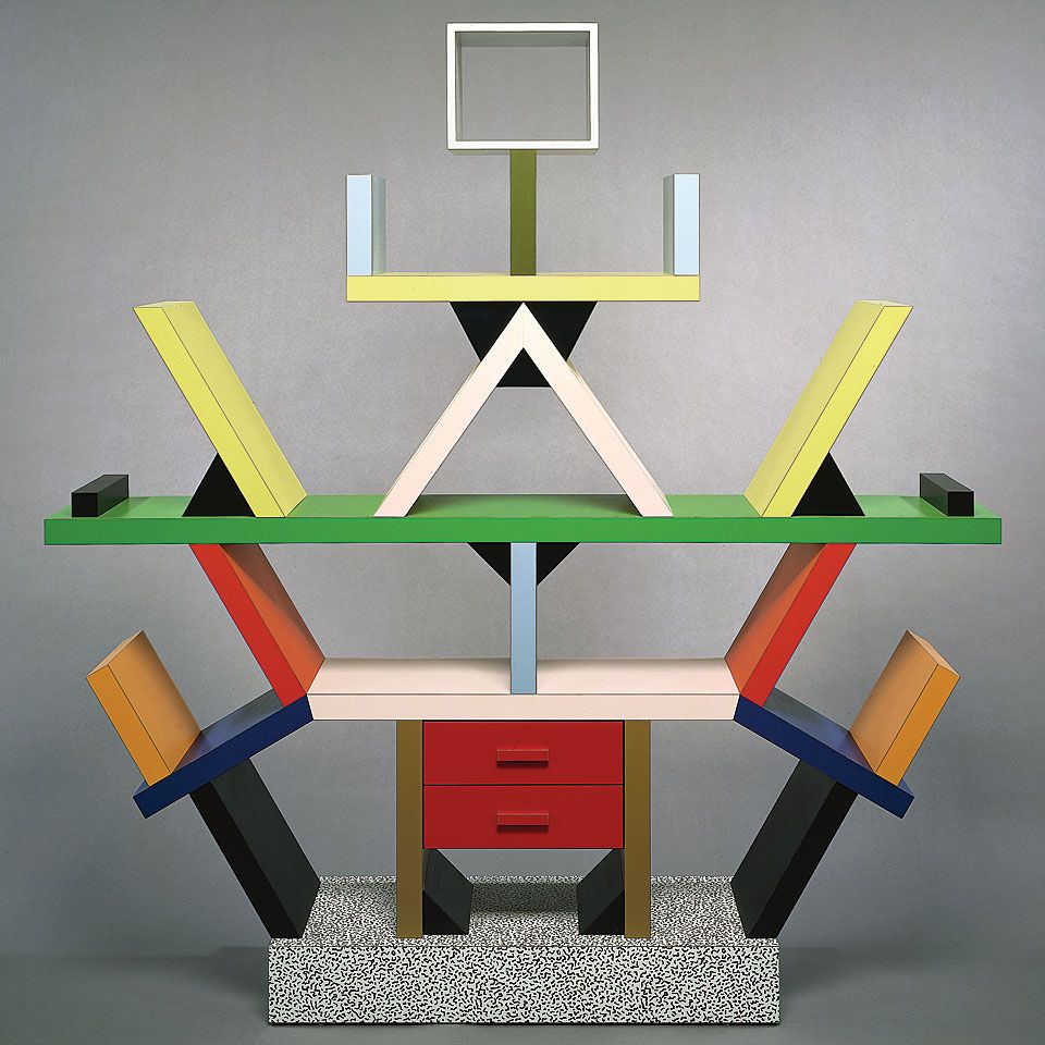 Grupo memphis ettore sottsass 1980 contra los dise os de for Oggetti design famosi