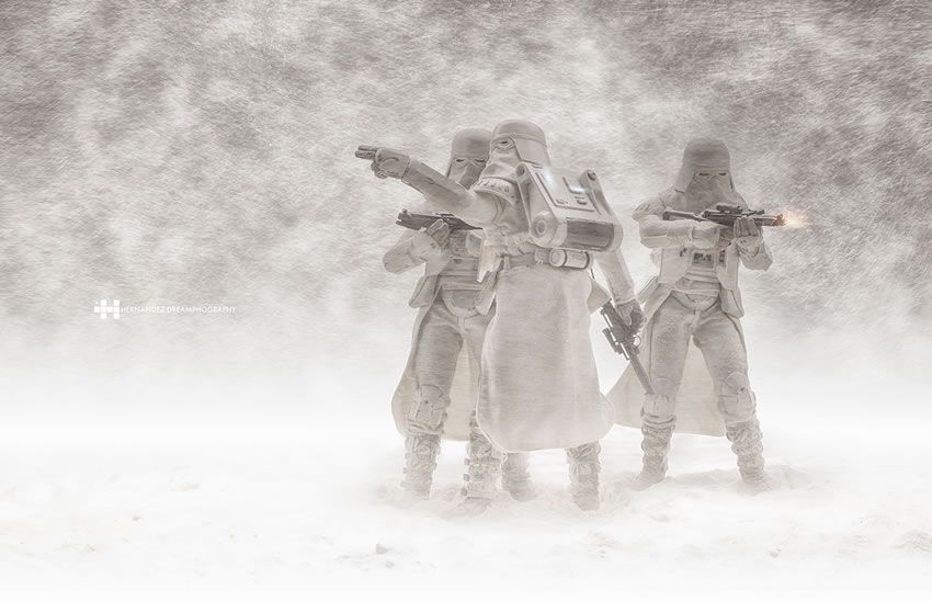 Camera Cachee Star Wars : Epic tribute to star wars and stormtroopers using action figures