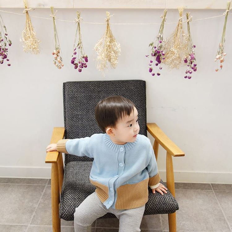 my little star @j_littlestar - #아기가디건 . . 나무가 라이트블루 가디건 ...Yooying