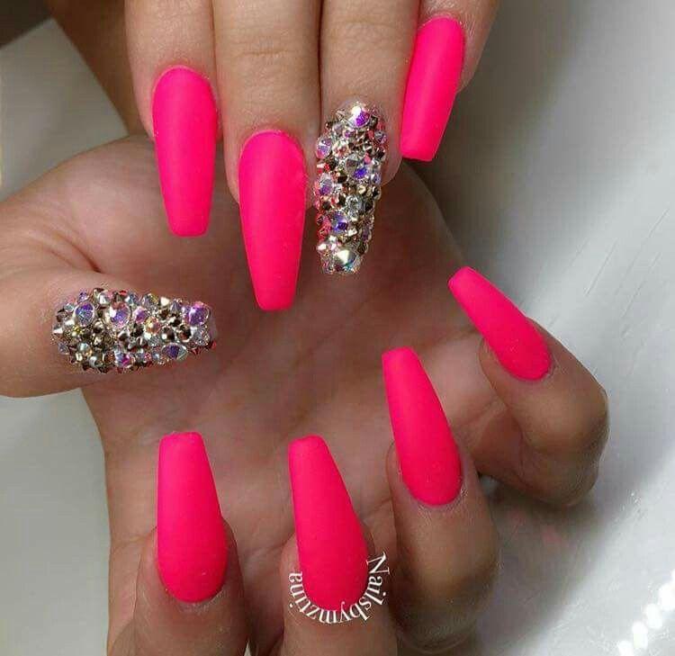 pink crystal nail designs pinterest. Black Bedroom Furniture Sets. Home Design Ideas