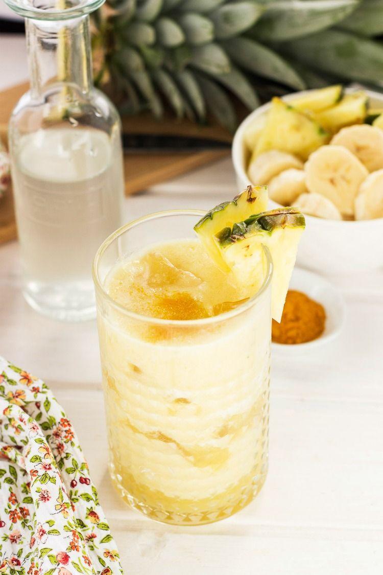 Agua de coco con pina para adelgazar