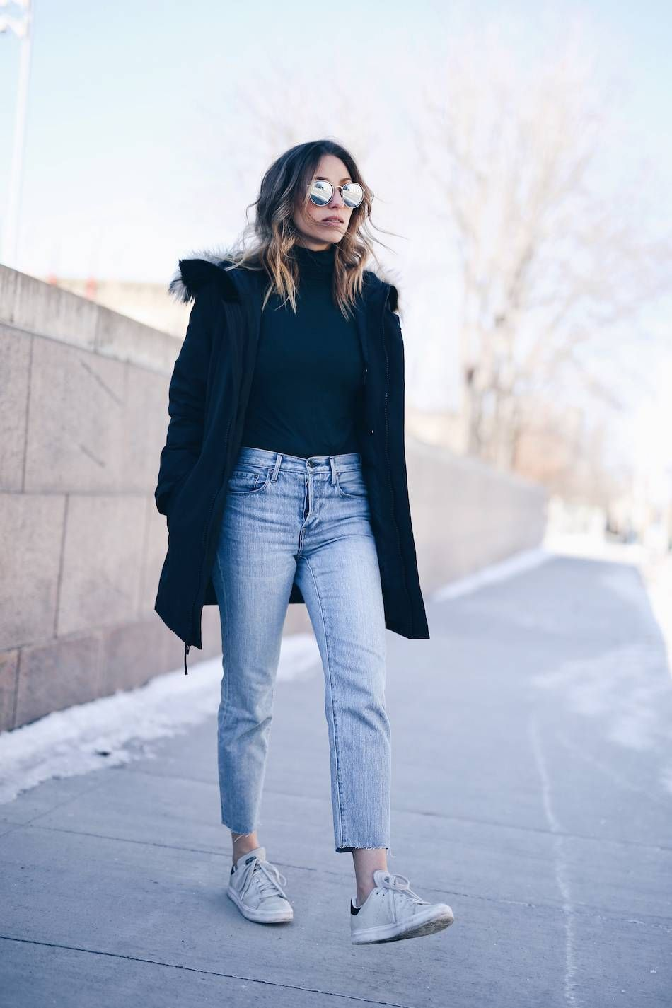 mom jeans and a turtleneck  jeans outfit winter mom