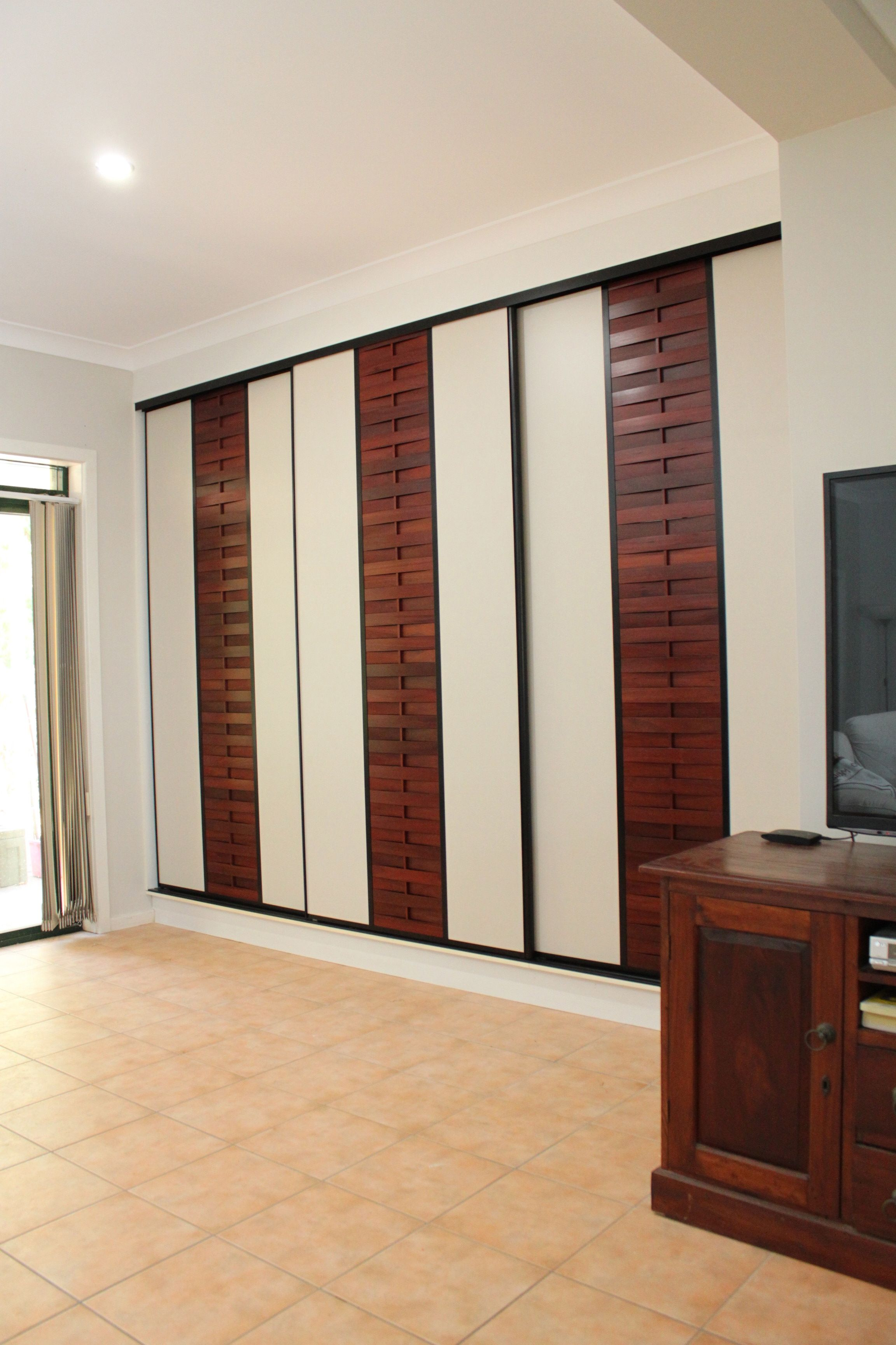 Sukiya Sliding Doors with formica rock salt panel and jarrah slats. .formfunctionnt. & Sukiya Sliding Doors with formica rock salt panel and jarrah slats ...