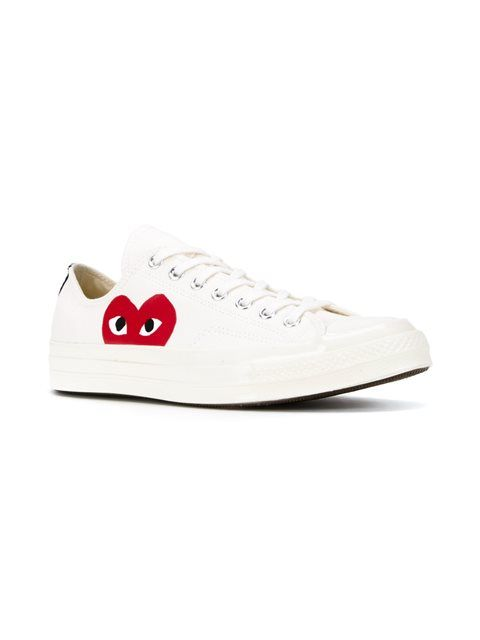info for 6ad8c cff00 Comme Des Garçons Play canvas heart print sneakers