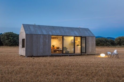 Made in Spain: a super cool pre-fab house