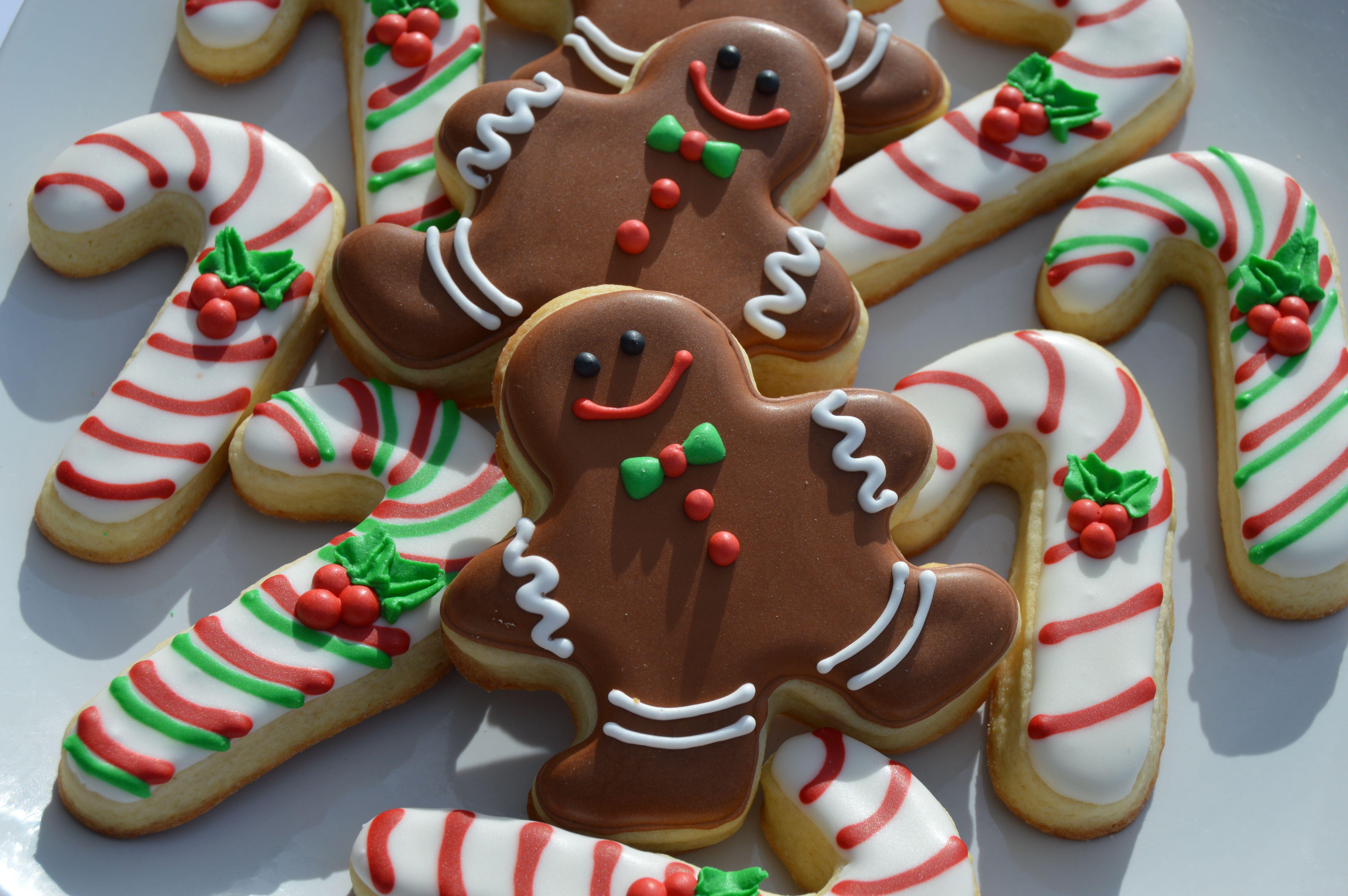 Sugar Cookies and Royal Icing Recipe - Brookies cookies ...