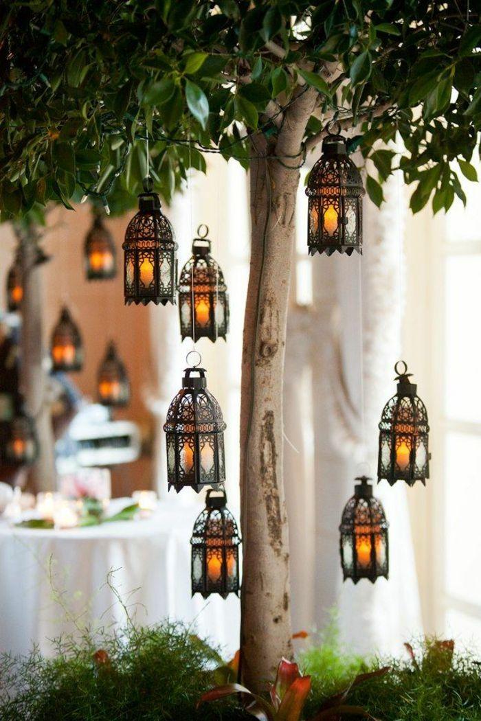 lampadaire en fer noir, arbres, jardin idée, décoration de jardin ...