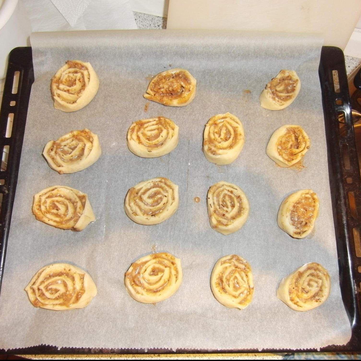 Rezept Zimtschnecken mit Haselnüssen von jule328 - Rezept der Kategorie Backen süß