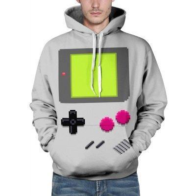Regálale a tu novio esta estupenda sudadera 3D con la que parecerá una GameBoy gigante. Disponible en gris y con talla L.