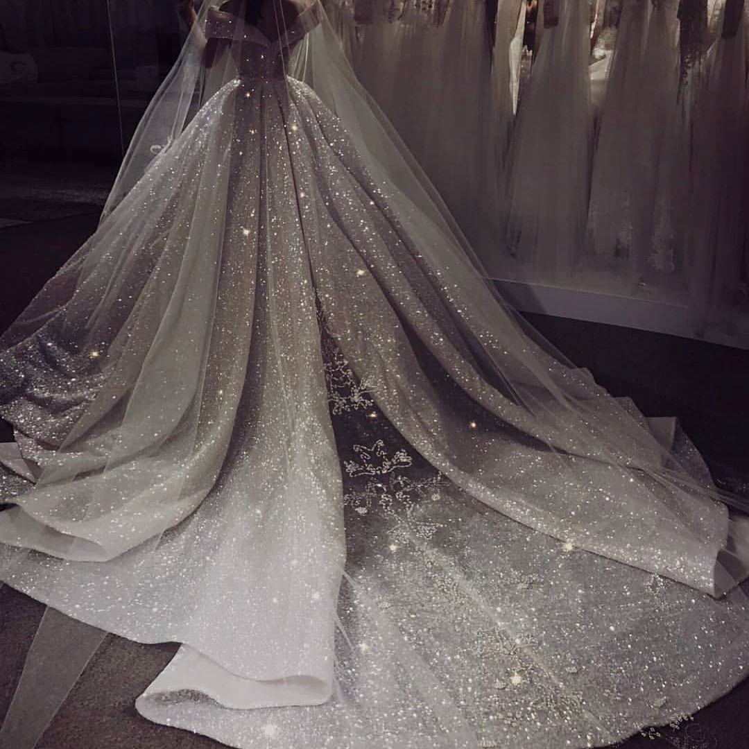 The Back Of This Dress Is Mesmerizing Dream Wedding Dresses