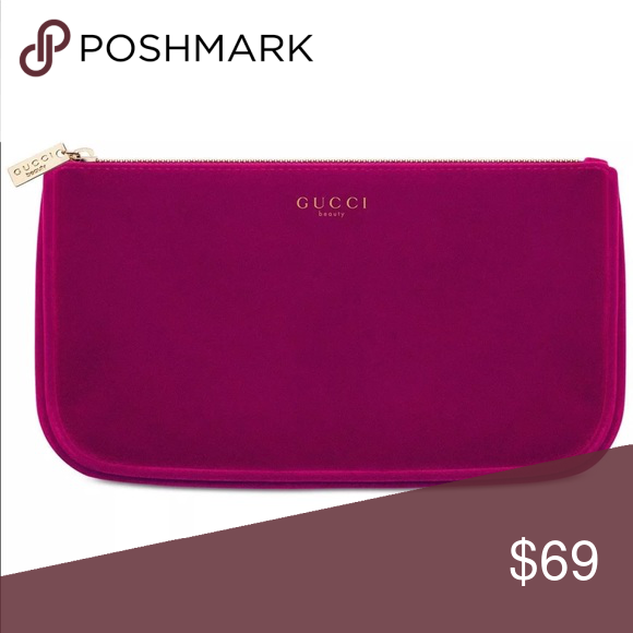 ec6a50c04f00 GUCCI BEAUTY VIP GIFTS 🎁 BEAUTY MAKEUP BAG GUCCI BEAUTY FOR WOMEN BURGANDY VELVET  BEAUTY MAKEUP