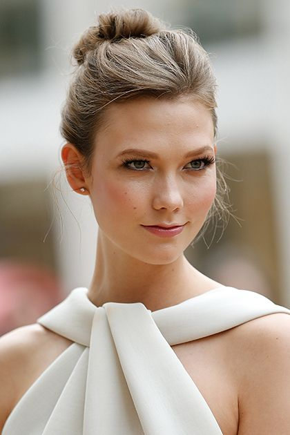 The Beauty Evolution of Karlie Kloss, from the Super Long Hair to the Iconic Chop and Everything in Between