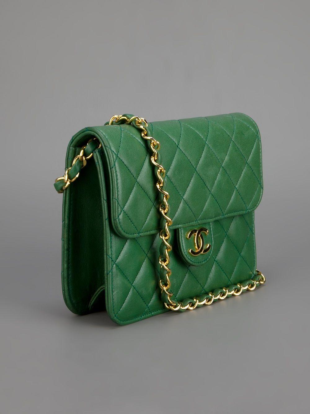 715717e7c79337 Chanel Vintage Quilted Leather Shoulder Bag - Rewind Vintage Affairs -  farfetch.com New Handbags