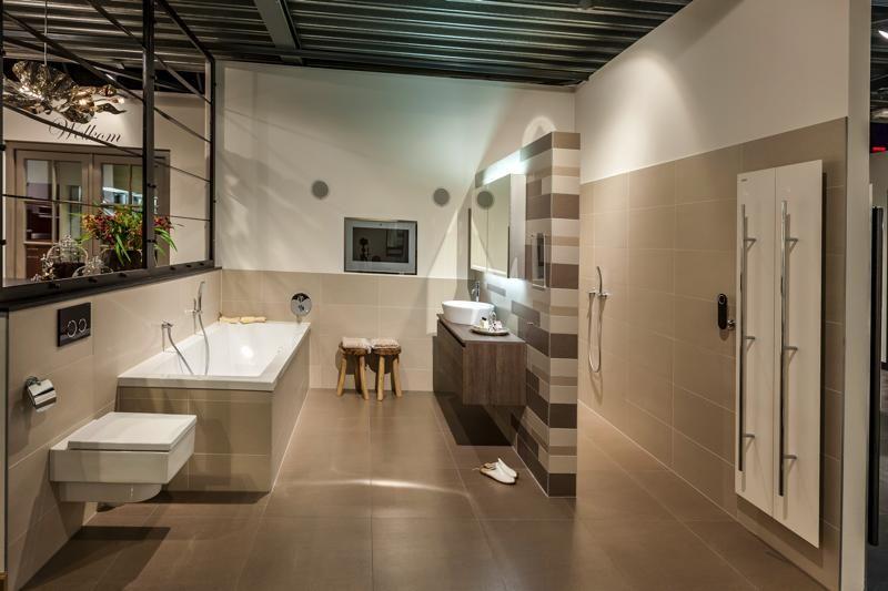 Personal Living badkamer met Grohe Ondus digitale kranen, Schneider ...