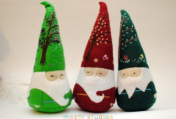 Felt Gnomes - I love these hats!