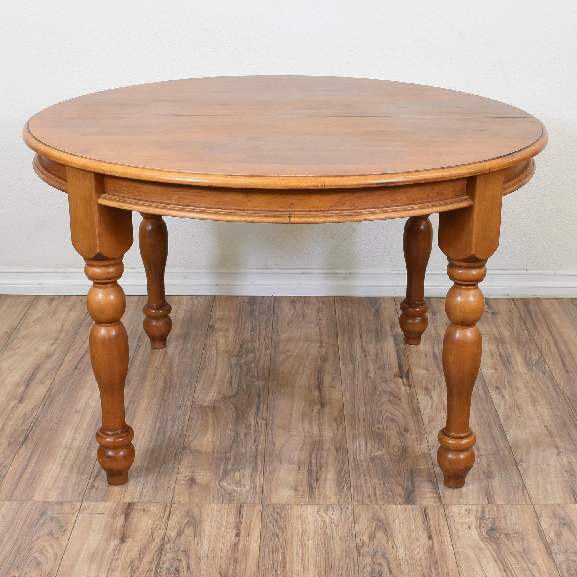 This Round Dining Table Is Featured In A Solid Wood With A Glossy Maple Finish This Table Is In Good Condition With Carv Maple Dining Table Dining Table Table