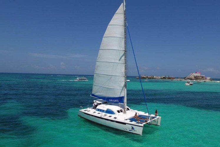 Custom catamaran 5833 luxury sailboat rental cancun mx