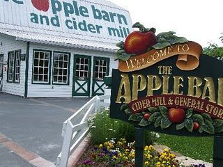 The Apple Barn-Pigeon Forge TN | Tennessee vacation ...