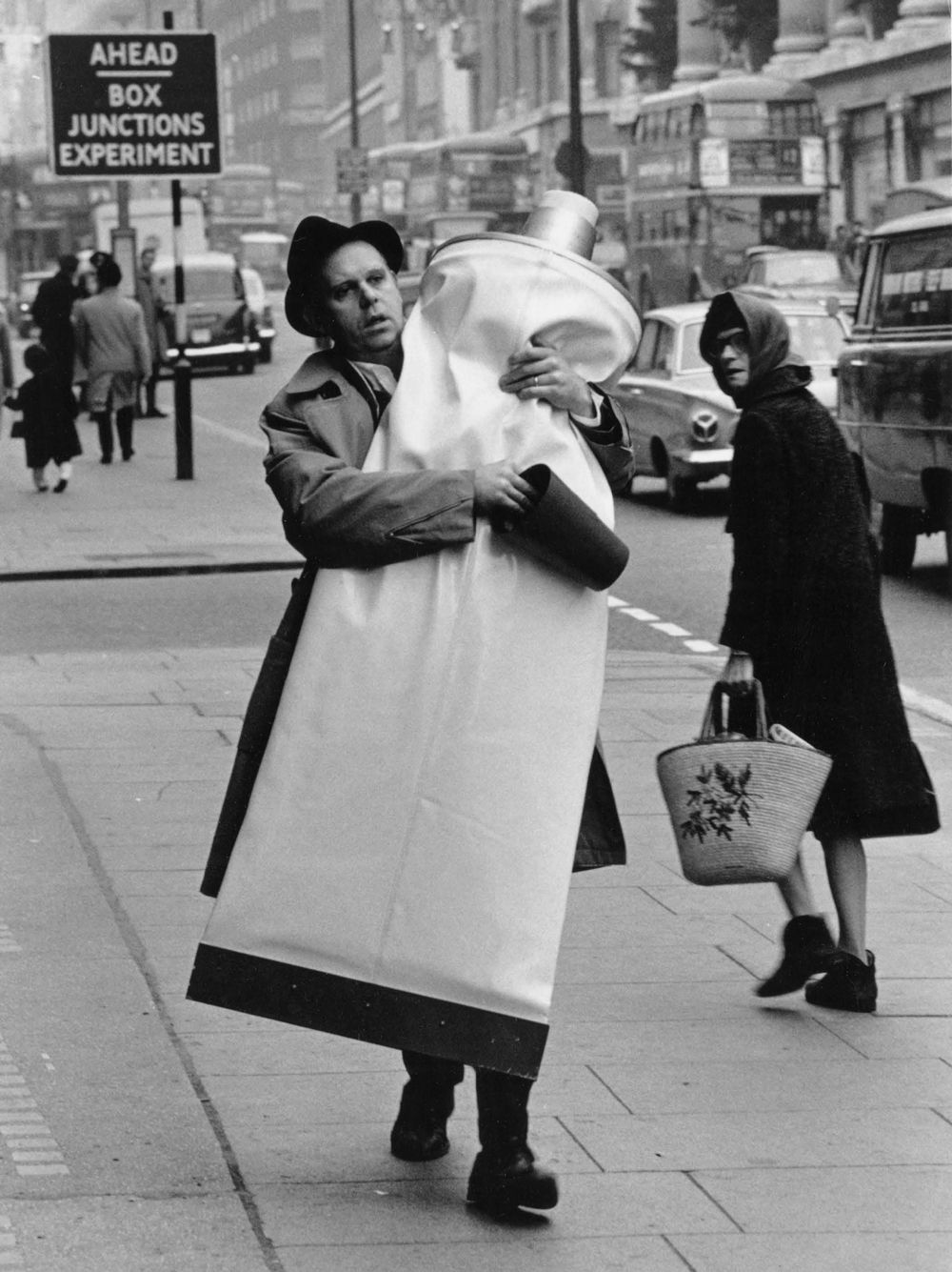 Giant Of Modern Photography At >> Claes Oldenburg Carrying Giant Toothpaste Tube 1964 London 1966
