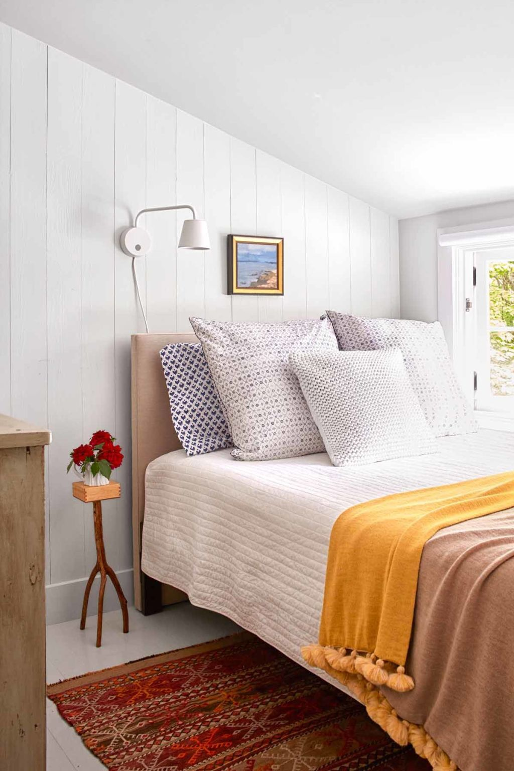beautiful Tiny Guest Bedroom Part - 9: Transform a Tiny Space