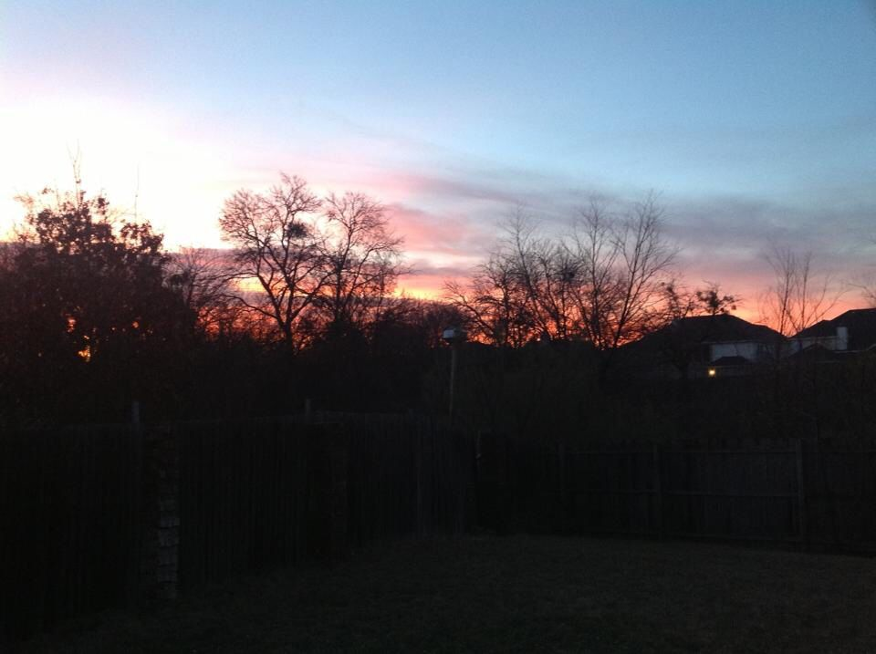 My first sunrise living in Texas (by Daya Reyes / Grand Prairie TX, Jan'13).