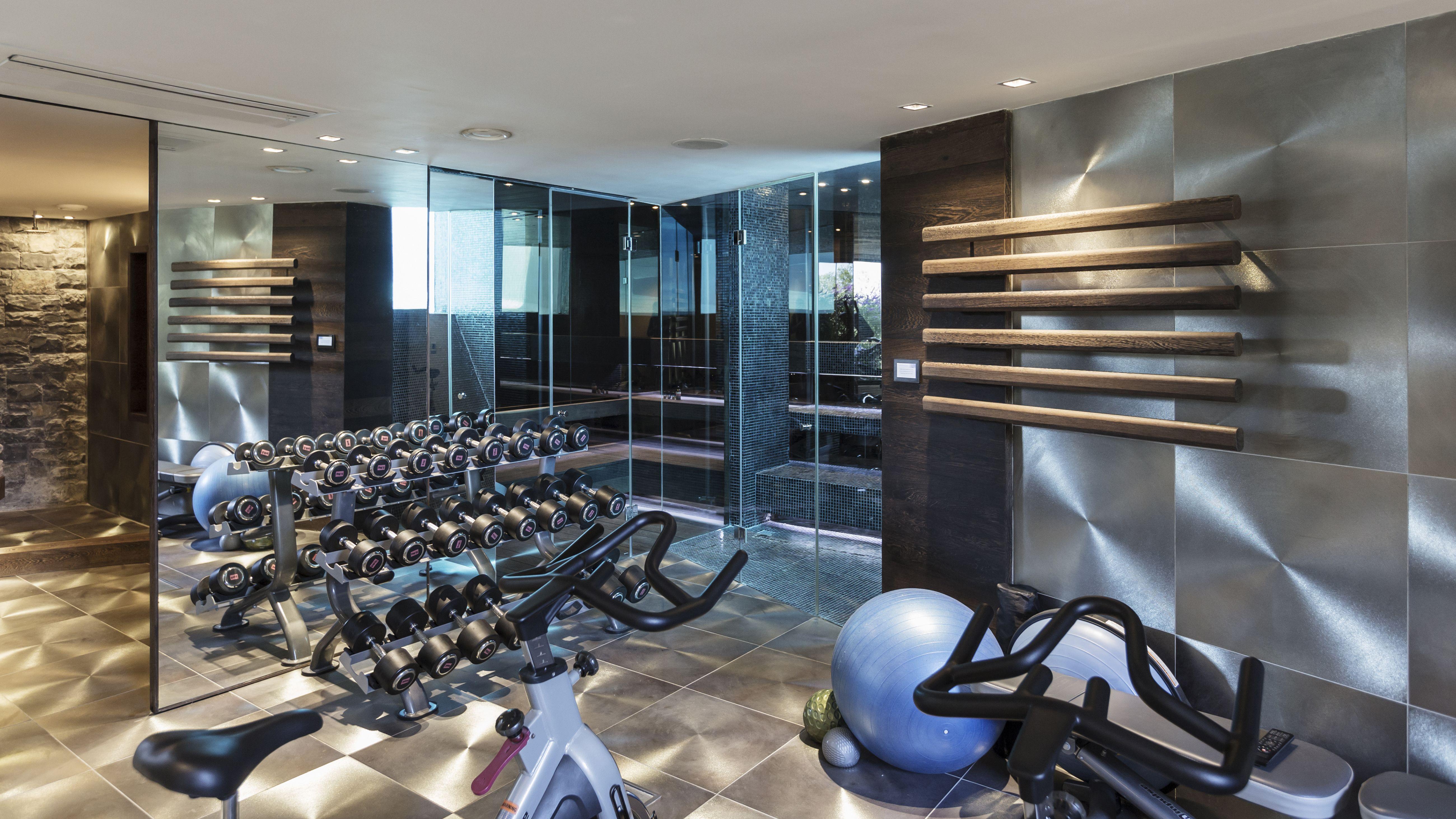 How To Build A Home Gym Building A Home Gym Home Luxury Homes