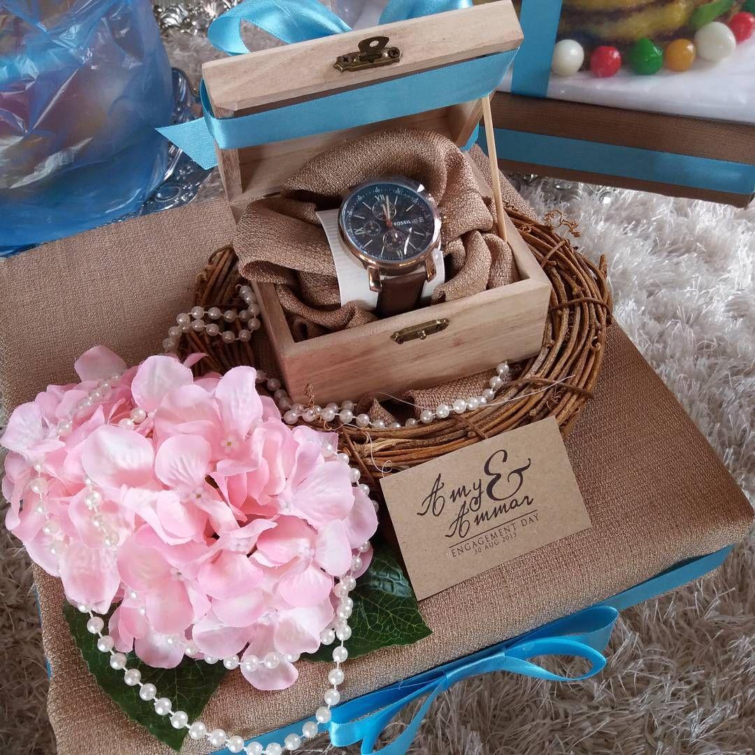 Country Wedding Gift Ideas: Wedding Hantaran , Flowers