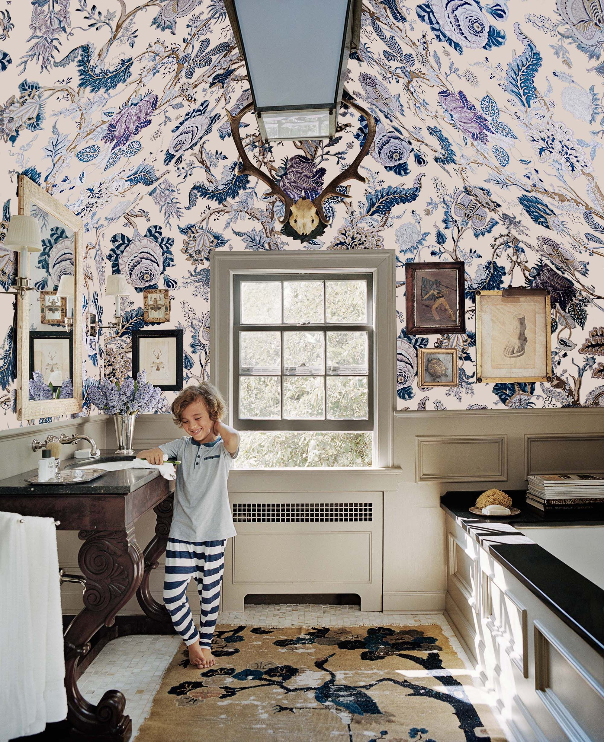 We Re Just A Little Bit Obsessed With Schumacher1889 S Indian Arbre Fabric In Hyacinth With Such A Large Scale Pattern I Home Beautiful Bathrooms Home Decor