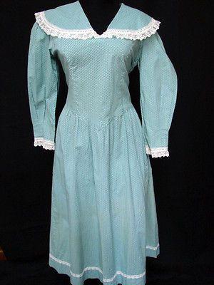 1960s 70s Vintage CAPED COLLAR COTTON PRINT DROP WAIST PRAIRIE DRESS