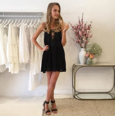 Coco & Lola styling the alice McCALL Young Americans Dress