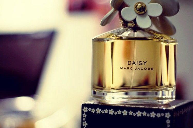 Desiré Official Blog: DAISY by MARC JACOBS GIVEAWAY via FragranceNet.com
