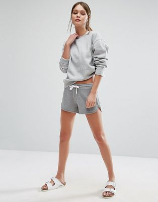 New Look Contrast Runner Shorts http://www.shopstyle.com/browse/womens-clothes?fl=p7&fts=womens+sweat+shorts