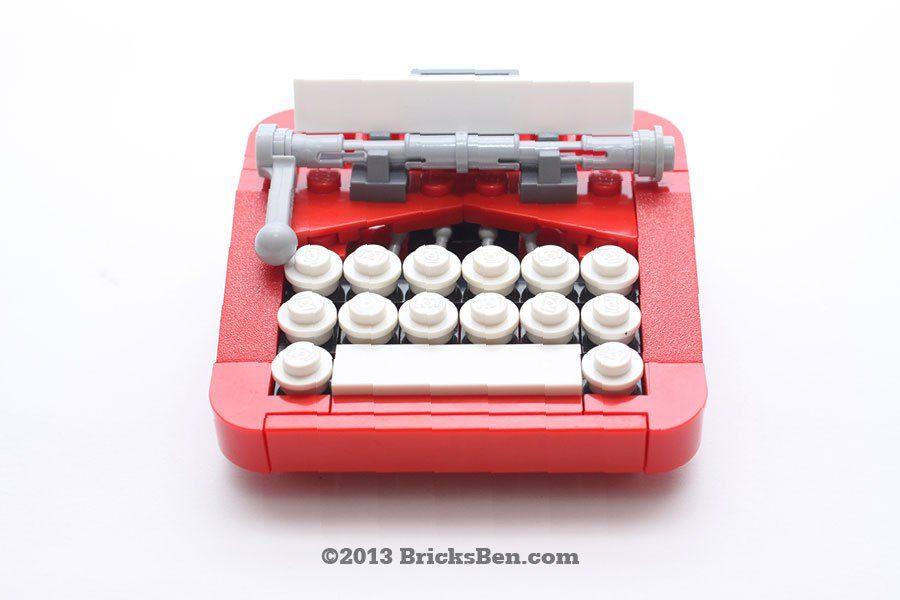 Retro Typewriter | BricksBen
