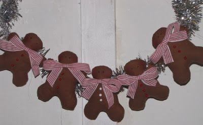 the little house Sylvie: Christmas decoration Tilda: the gingerbread man