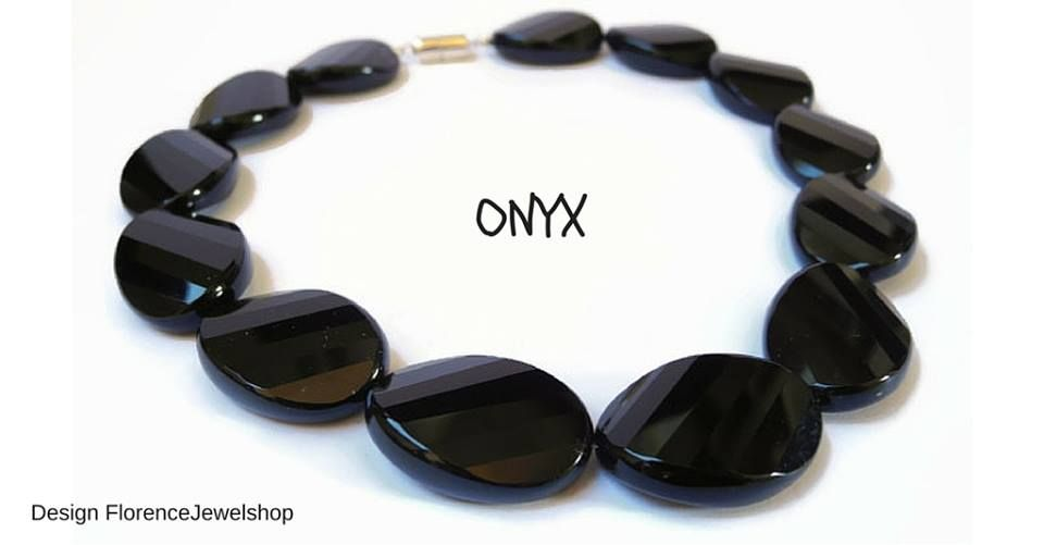 BEADINFORMATION: ONYX Onyx jewelry is worn to defend against negativity that is directed at you. Black stones have protective energies in the sense that black is the absence of light, and therefore, can be used to create invisibility.