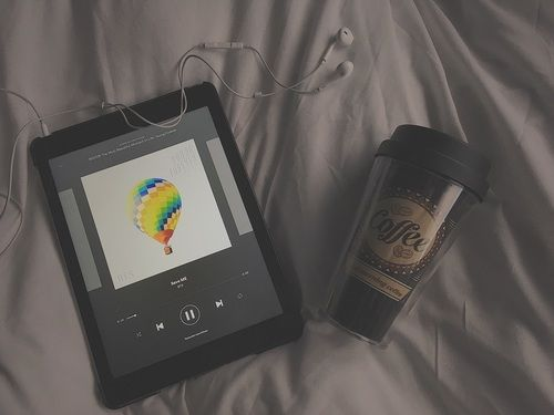 Imagen de aesthetic, coffee, and music | bts aesthetic ...