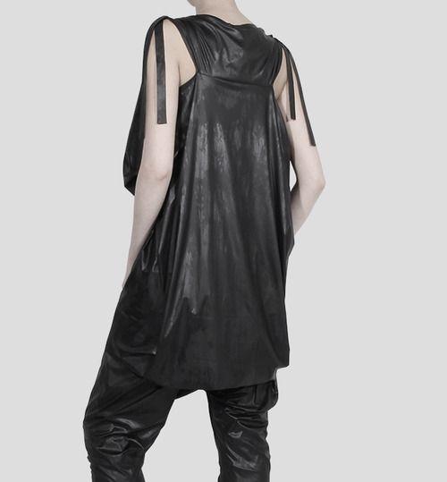 Fashion - barbara i gongini#fashion #avantgarde #dark #Minimal #simple #black #vintage #Elegent #wrinkle