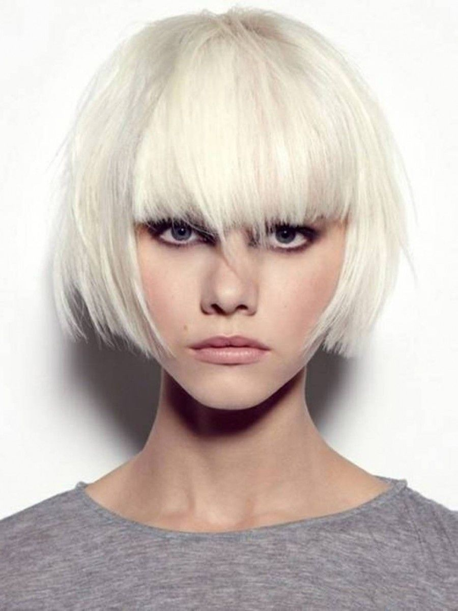 photo 23 Cute Short Hairstyles With Bangs
