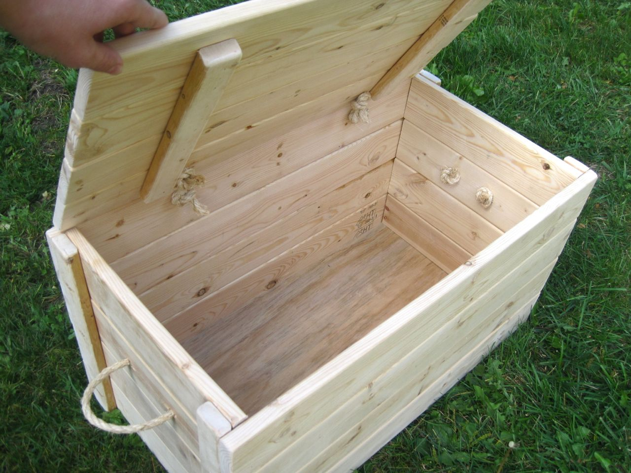 Inexpensive Chest Storage Box | ... Own Storage Chest Pine Furring Stripes  I Wanted