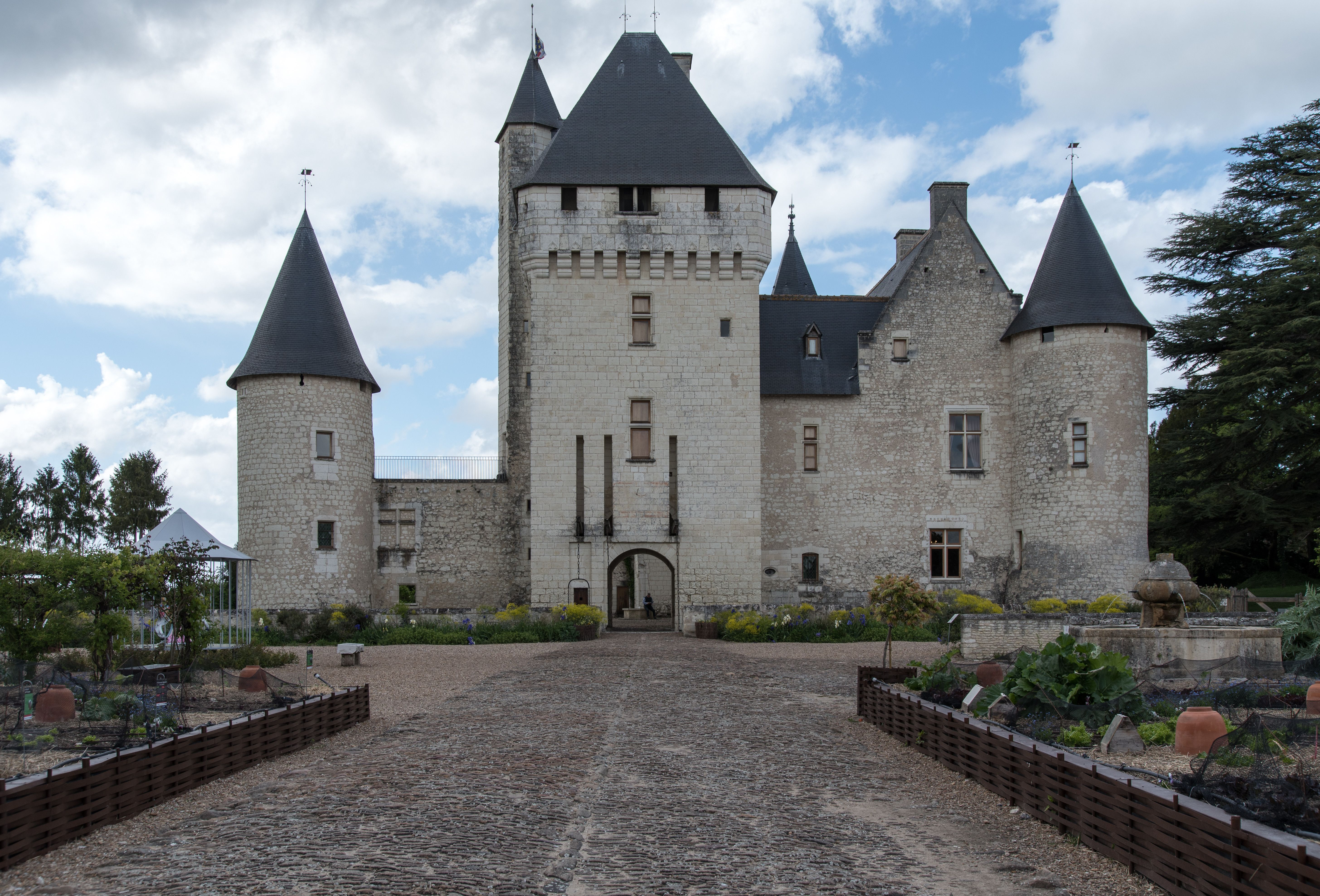 Chateau Du Rivau Lemere Indre Et Loire France In 2020 French