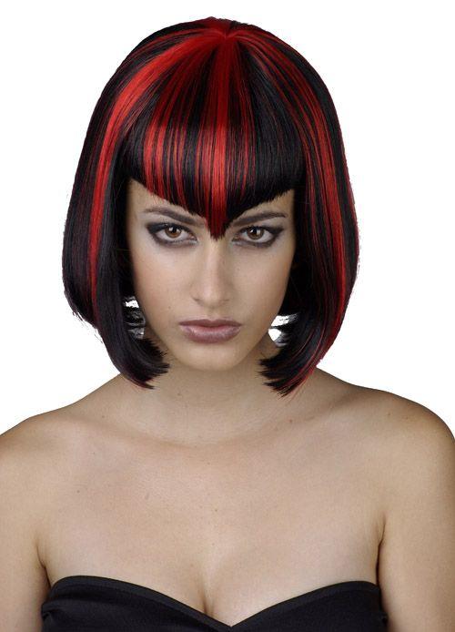 Peluca demoniaca para mujer ideal para Halloween  Excelente peluca negra  con mechas rojas y forma de melena cuadrada. El flequillo tiene un corte  original ... 447ccfb16d5