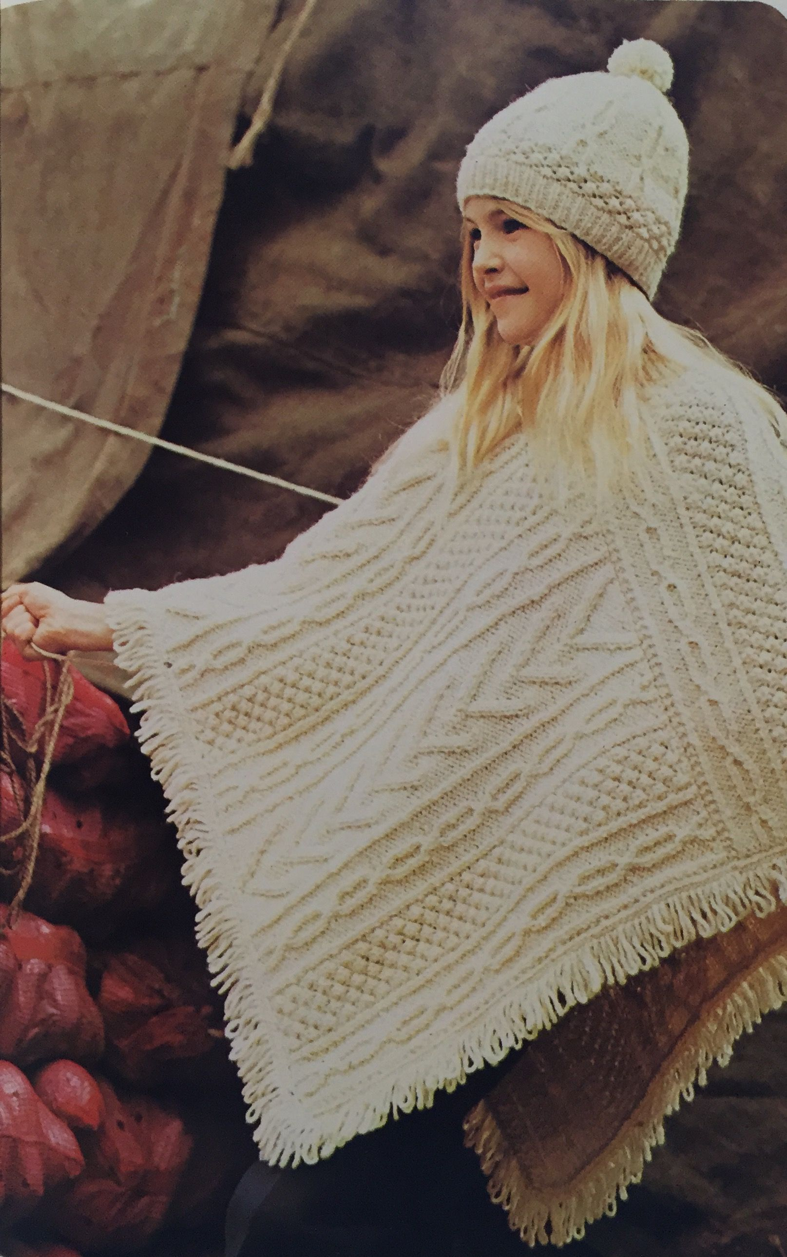 Aran poncho & beret. Knitted beanie. Knitted poncho. Encyclopaedia ...