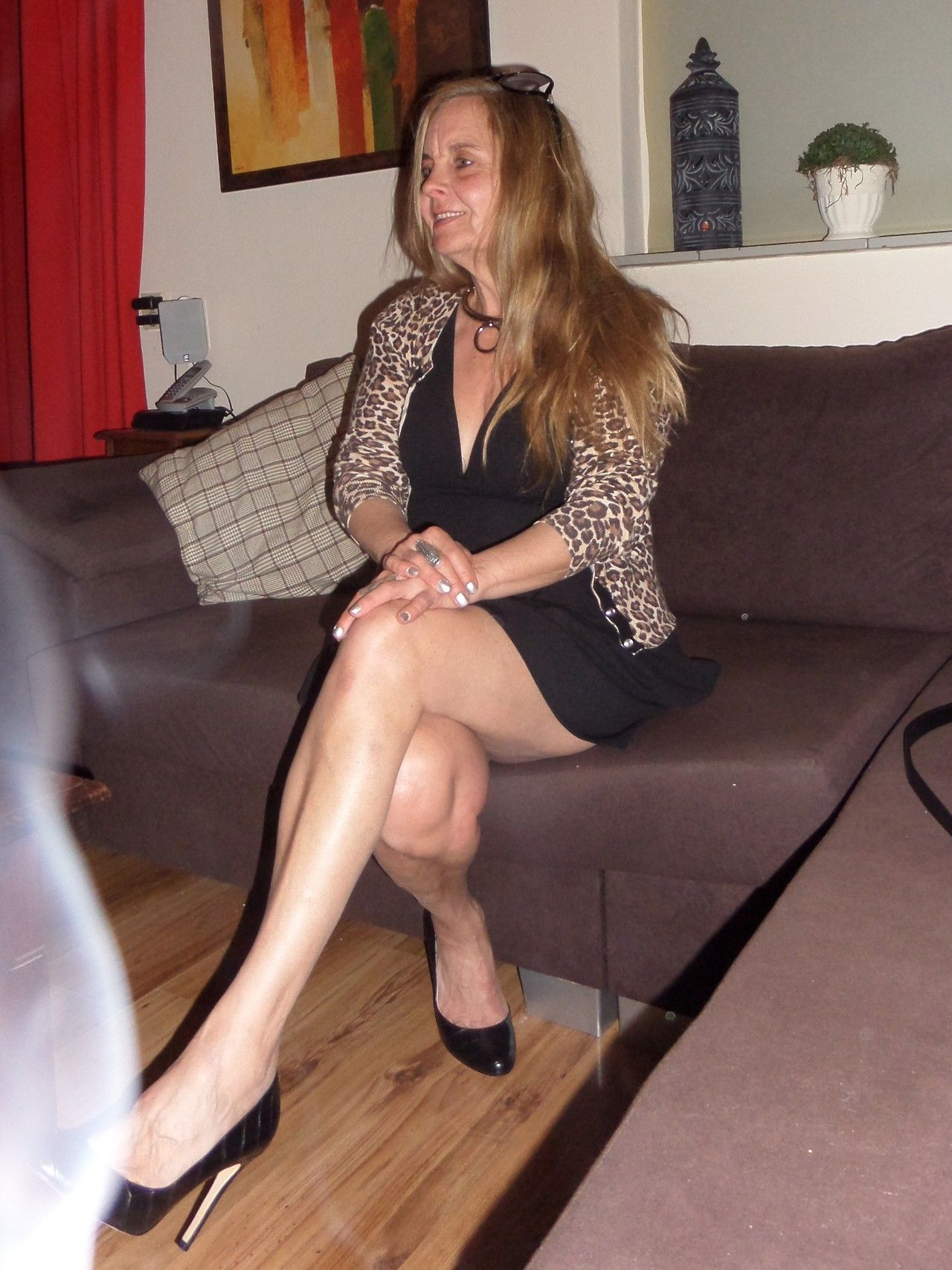 Granny Showing Legs  Mmmmmm In 2019 - Mature Fashion -7712